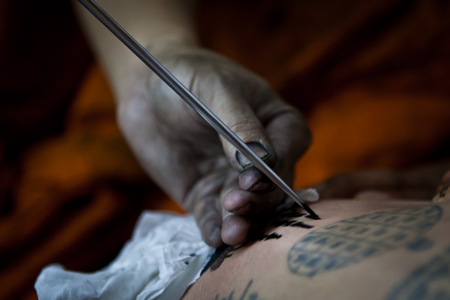 Wat Bang Phra Tattoo Festival, needle to create tattoo